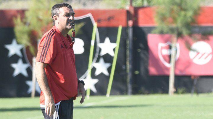 Osella observó con atención la evolución de Quignon y Formica, las dudas del equipo para el partido con Atlético de Rafaela.