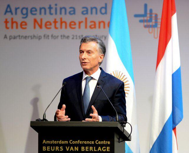 El presidente Mauricio Macri dijo que Argentina quiere volver a producir más energía que la que produce para exportar al mundo.
