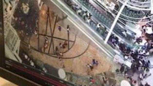 Una falla en una escalera mecánica causó pánico en Hong Kong.