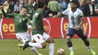 La dura patada por la que Banega se perderá el partido contra Uruguay
