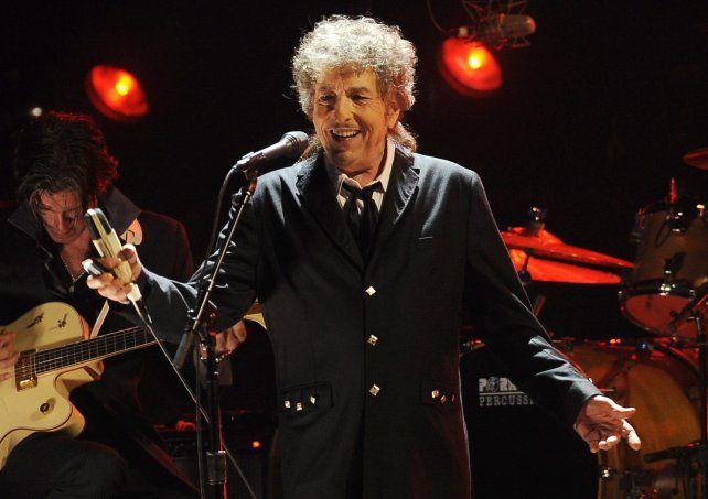 Bob Dylan no acudió a la ceremonia Nobel en diciembre porque tenía compromisos anteriores.
