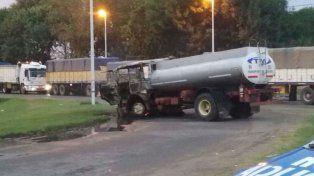 un camionero quiso cruzar un piquete y atropello y mato a un manifestante en san lorenzo