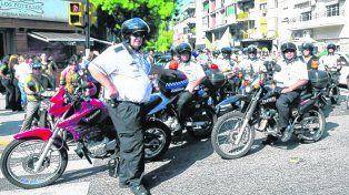 protesta. Las áreas de control municipal se sumaron la semana pasada al paro de 48 horas con una nutrida movilización con autos oficiales.