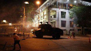 Graves incidentes en el Congreso de Paraguay: incendio y choques entre manifestantes y policías