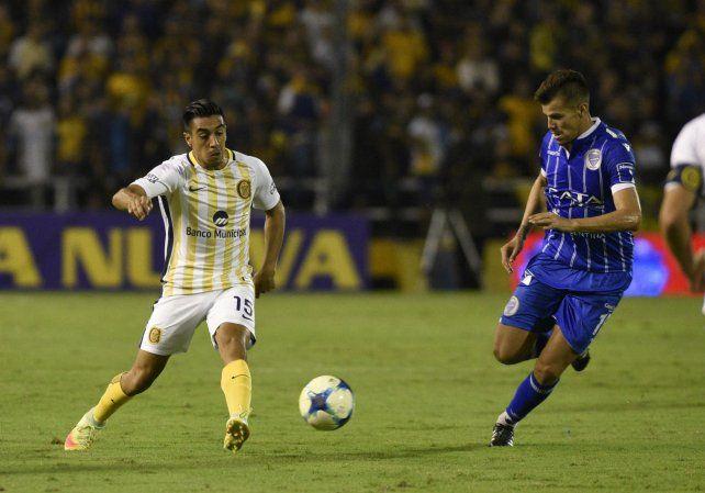 La duda. Camacho cumplió a medias ante Tigre pero quiere destacarse con Sarmiento.