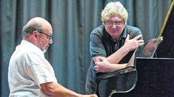 Volver. El pianista Alejandro Tejeda y el guitarrista Gabriel Data dieron a luz una joya que parecía perdida.