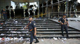 Incendio y crispación. Así quedó el Congreso tras los disturbios.