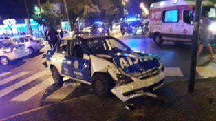 Así quedó el móvil policial tras el accidente en Oroño y Lamadrid.