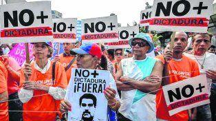 protesta popular. Una de las varias marchas de repudio a la última maniobra chavista en Caracas.