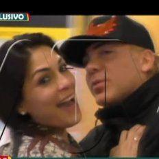 cristian castro fue capturado cuando besaba con pasion a una vedette peruana en un aeropuerto