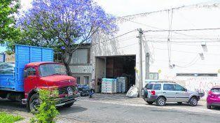 el lugar. La fábrica de Suipacha al 3700 donde Scaglia y sus cómplices cometieron el robo y enfrentaron a la policía.