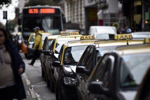 desfasaje. El estudio de costos dio que la tarifa está atrasada un 57%. Taxistas coincidieron en que es difícil aplicarlo.