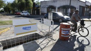 Aguas encara un plan preventivo de limpieza de cloacas en 25 barrios