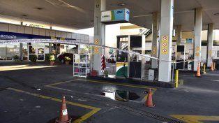 Las estaciones de servicio están cerradas desde las 0 hoy en Rosario.