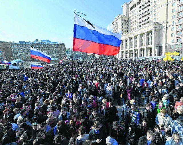 Unidos frente al terror. Moscovitas repudiaron el ataque al metro.