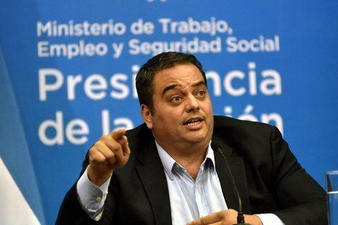 El ministro de Trabajo Jorge Triaca destacó el crecimiento del empleo registrado en el país.