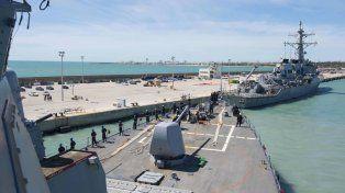 Partida. Las fragatas USS Porter y USS Ross zarpan del puerto español de Rota para el ataque con misiles a Siria.