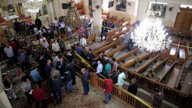 Doble atentado en iglesias de Egipto, a 20 días de la visita del Papa