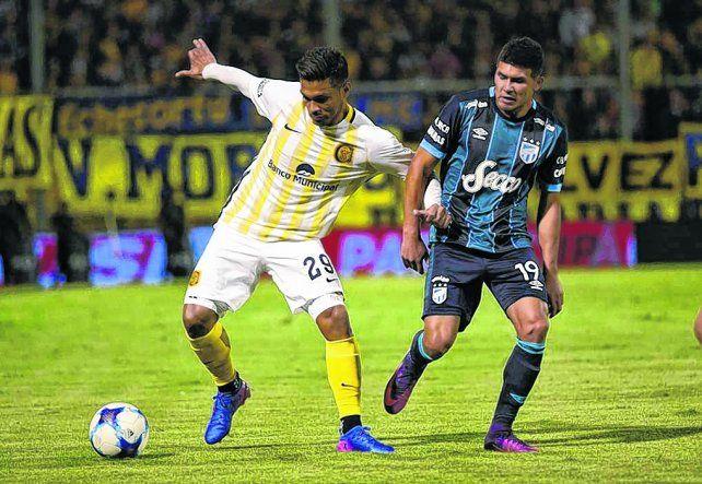 Inspirado. El colombiano fue la gran figura canalla en la victoria del viernes ante los tucumanos.