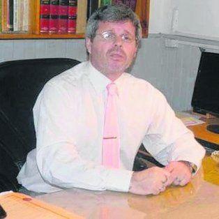 El juez enterriano Carlos Rossi se escuda en un certificado médico para tomarse licencia de su cargo.