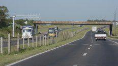 una familia rosarina sufrio un robo pirana en la autopista cuando volvia de cordoba