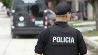 Detienen a un policía por extorsionar a un sobrino de Pimpi Camino para liberarlo