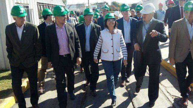 Bullrich hoy durante su visita a la Asociación de Cooperativas Argentinas en San Lorenzo
