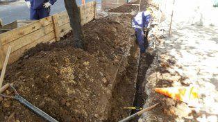 El caño amarillo de gas fue el que Litoral Gas reparó esta mañana en 3 de Febrero y Buenos Aires.