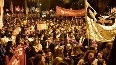 Una multitud se acercó a los Tribunales provinciales para reclamarle a la Justicia.