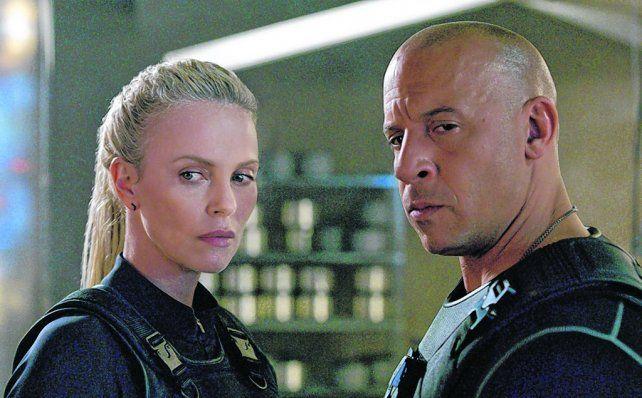 dupla explosiva. Vin Diesel junto a la rubia Charlize Theron