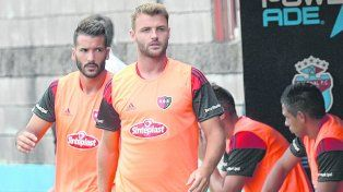 Los dos a la cancha. Juan Ignacio Sills (21) y Germán Voboril estuvieron en el banco ante Arsenal y serán de la partida frente al Pincha.