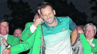 Campeón. El español Sergio García fue quien se calzó el saco verde este domingo al ganar la 81ª edición del Masters de Augusta.