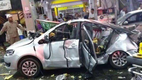 Una mujer murió cuando su auto explotó mientras cargaba gas