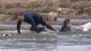Esto es amor: se lanzó a un lago helado para rescatar a su perro