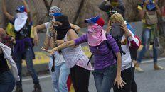 Venezuela continúa atravesando horas violentas, con manifestaciones en numerosas ciudades y represión policial.