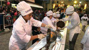 Bariloche rompió un nuevo récord y fabricó la barra de chocolate más larga del mundo