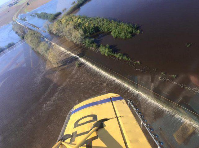 Más de mil personas fueron evacuadas por la peor inundación de la historia de Salto.
