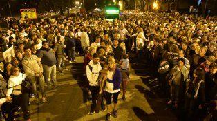 Una multitud se congregó para acompañar al padre Ignacio en el vía crucis.