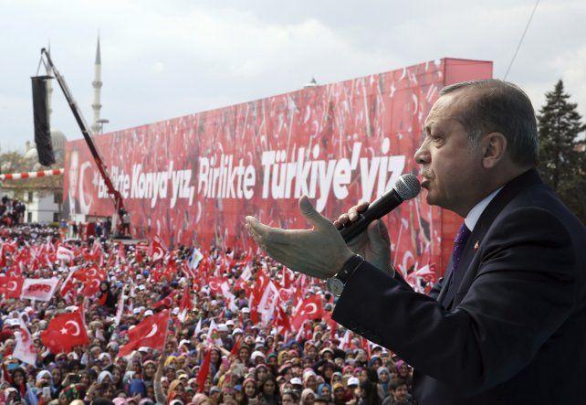 A consulta. Erdogan hace campaña a favor de la reforma constitucional.