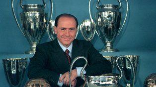 Berlusconi. La foto con la que se despide desde la web del club milanés