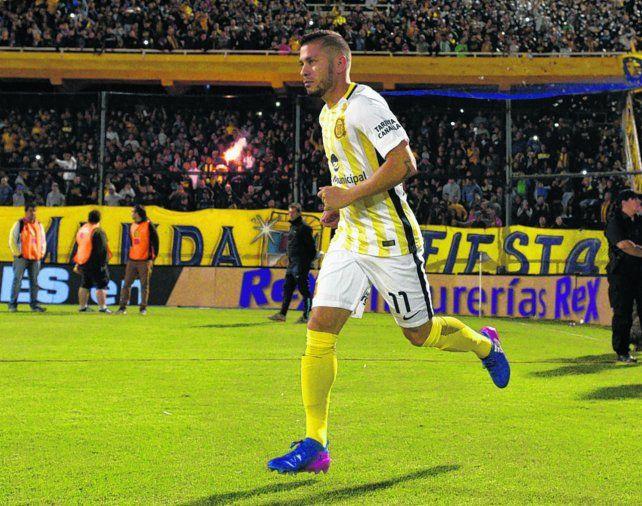 Adentro. José Luis Fernández será nuevamente titular. Esta vez ocupará el lateral izquierdo.