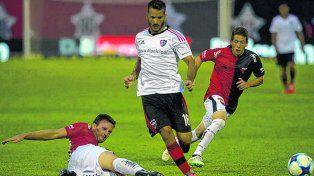 Reaparece. Germán Voboril será el lateral izquierdo rojinegro en reemplazo del suspendido Nehuén Paz.