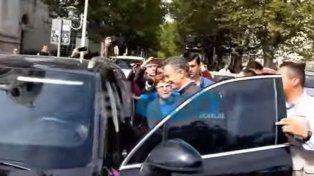 El presidente Macri fue increpado e insultado por un grupo de personas en Tandil.