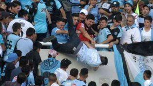Detuvieron a dos hombres por el ataque al hincha de Belgrano al que tiraron  de la tribuna