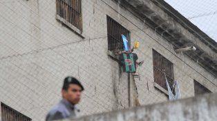 Los presos de todo el país protestan por las restricciones para las salidas transitorias.