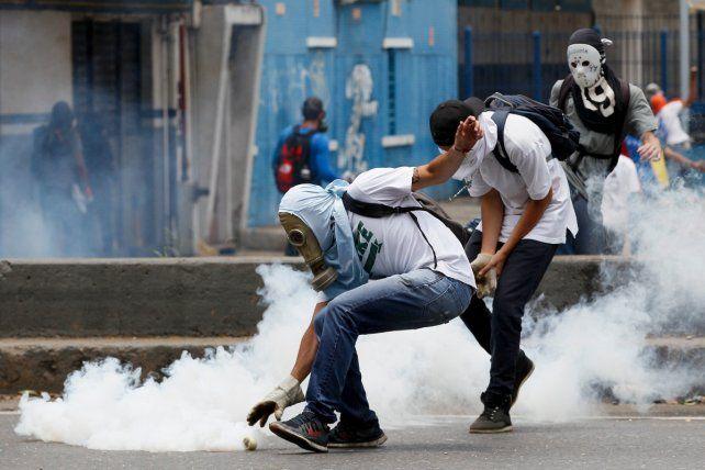 Manifestantes se enfrentaron con fuerzas de seguridad.