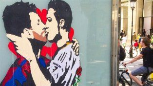 Un grafiti de Messi y Cristiano causó furor en España en la previa del clásico.