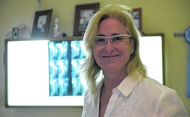 Alineación y relax. La quiropráctica detecta subluxaciones a lo largo de la columna vertebral. Y promete alivio.