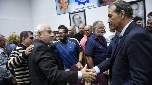El gobernador y el empresario durante el anuncio del acuerdo.