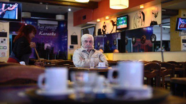 El bar San Antonio, emblema de la zona sur, en jaque por los aumentos de luz y gas